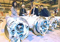 内三联交换测试单元(US-IT-HXTU)与US-LHC小组成员