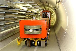 安装LHC传输线路
