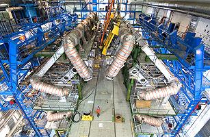 安装ATLAS筒形环状磁体的第8个也是最后一个螺线管