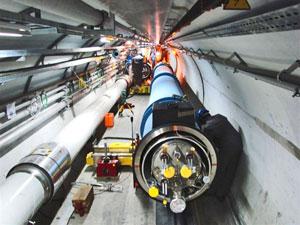 第1000块低温磁体正被装入LHC隧道